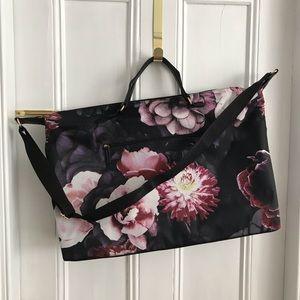 Handbags - Super Cute Floral Weekender Bag